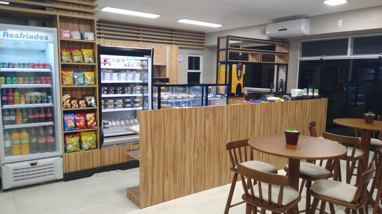 HCB inaugura cafeteria própria.