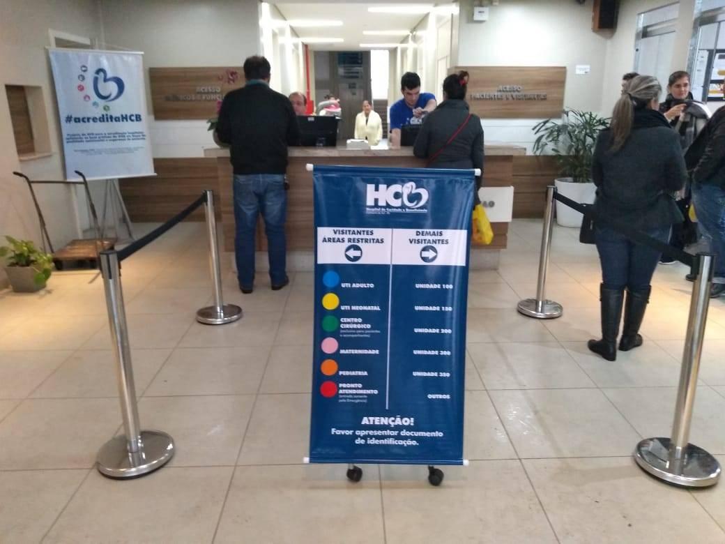 Áreas restritas do HCB recebem identificação para visitantes.
